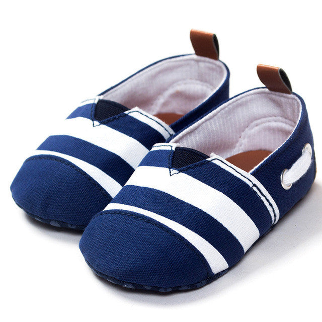 Unisex Infant Sneakers for Prewalkers, with Soft sole and Trendy Stripes