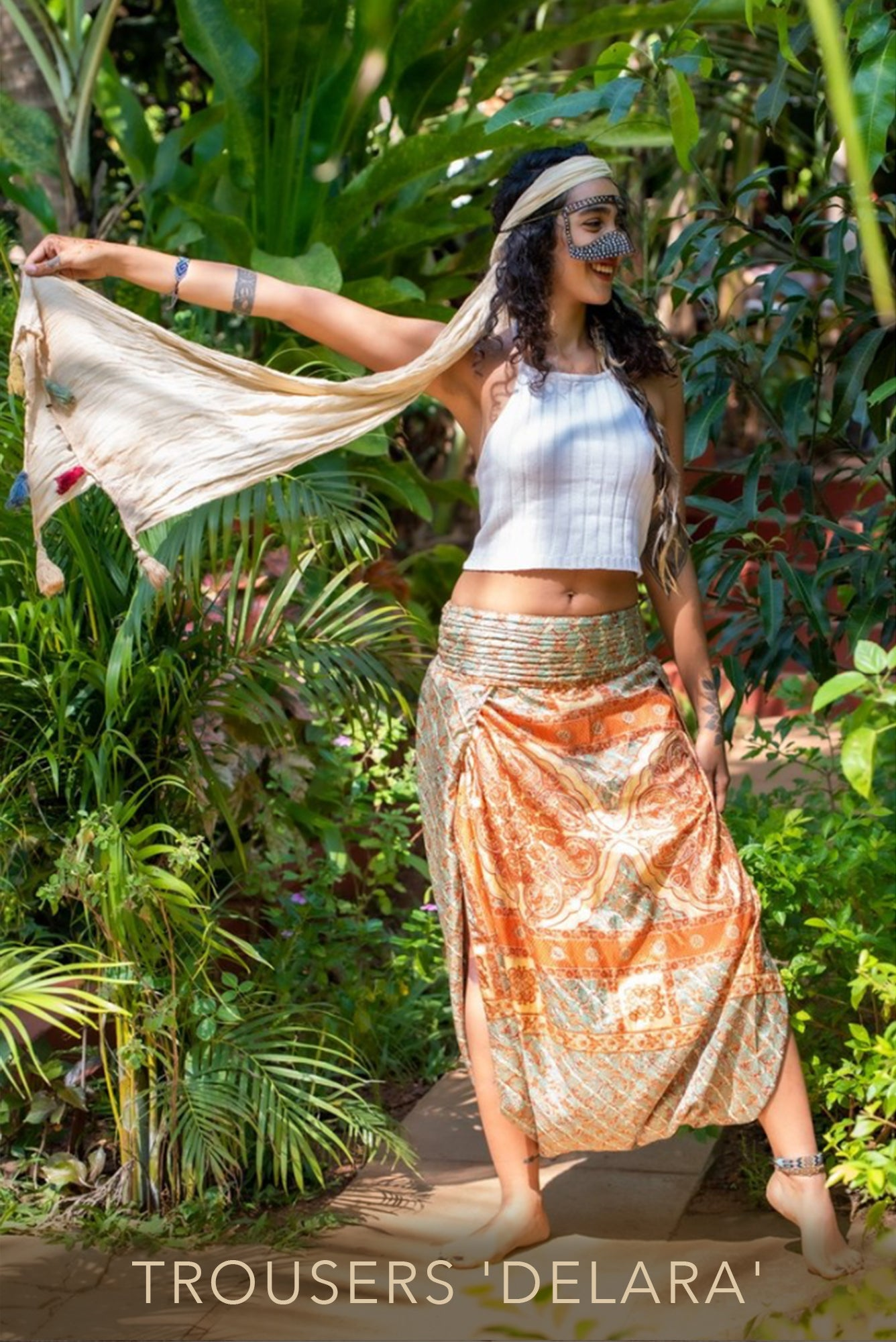Sustainable fashion, trousers made from recycled fabrics 'Delara' Mamma Nomad