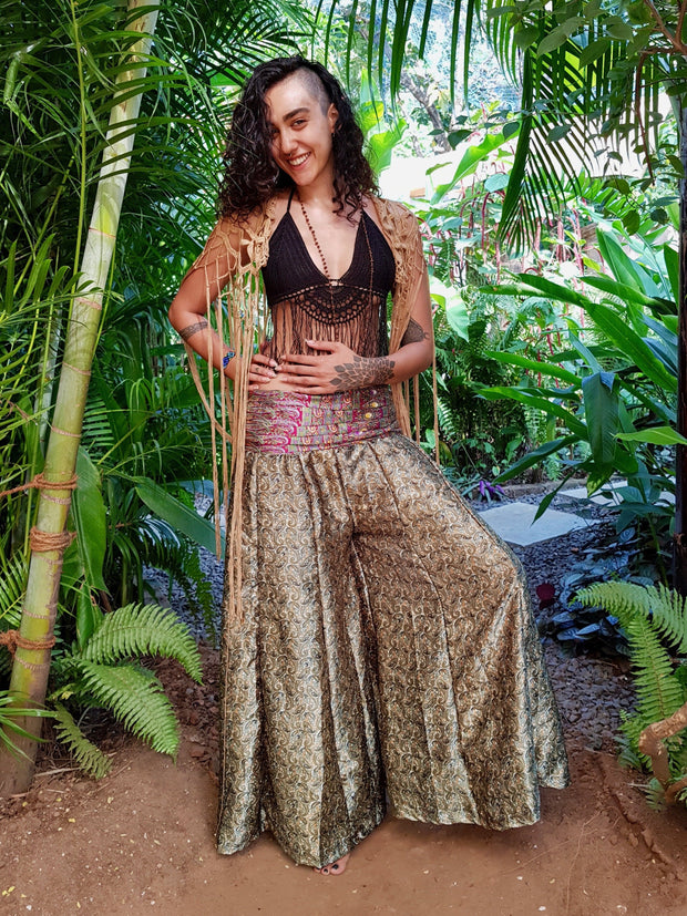 Mamma Nomad keeps ethical values and the environment in mind while she creates. Yet it is affordable fashion. These Beautiful Boho chic pants are made from Eco friendly material