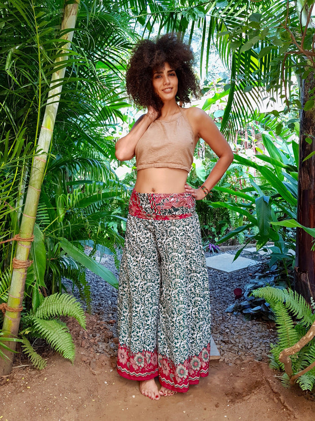 Mamma Nomad keeps ethical values and the environment in mind while she creates. Yet it is affordable fashion. These Beautiful Bohemian chic pants are made from Eco friendly material