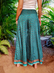 Mamma Nomad creates affordable fashion with ethical values and the environment in mind. Beautiful boho chic pants made from eco friendly material.