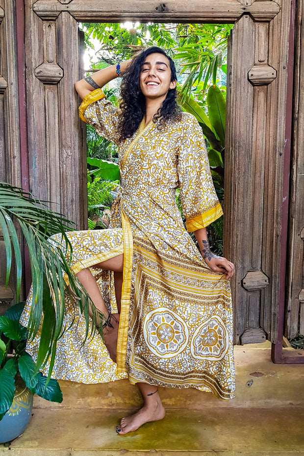This beautiful bohemian style Yellow Kimono is made from recycled fabrics and a lot of love. Mamma Nomad creates with Ethical and Environment friendly values. Sustainable fashion for a affordable price.