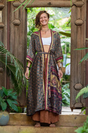 This beautiful Kimono is made from recycled fabrics. Eco and Ethical-Friendly by Mamma Nomad. Size XS to XL. Comfortable and very elegant.