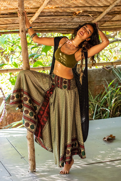 Mama Nomad makes clothing from recycled fabrics. Beautiful gypsy flowey pants that look like a skirt! We create by environment & ethical friendly values.