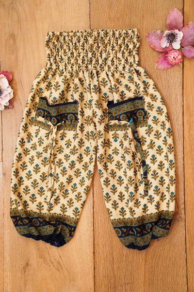 Cute harem pants made from recycled fabrics. Bohemian style.  Mamma Nomad: Environment and Ethical friendly children's fashion for affordable prices.