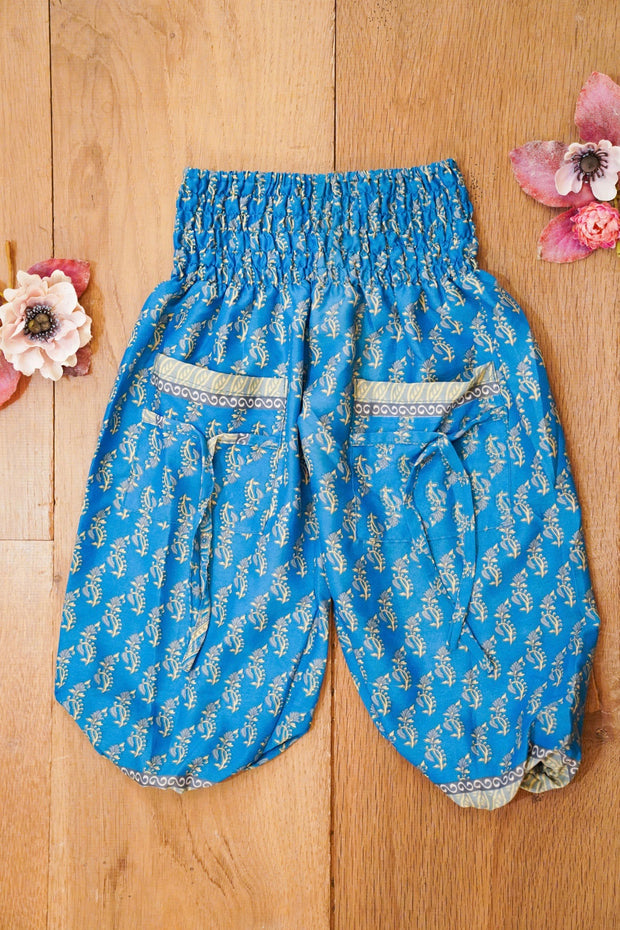 Cute harem pants made from recycled fabrics. Bohemian style for children.  Mamma Nomad: Ethical and Environment friendly kids fashion for affordable prices.