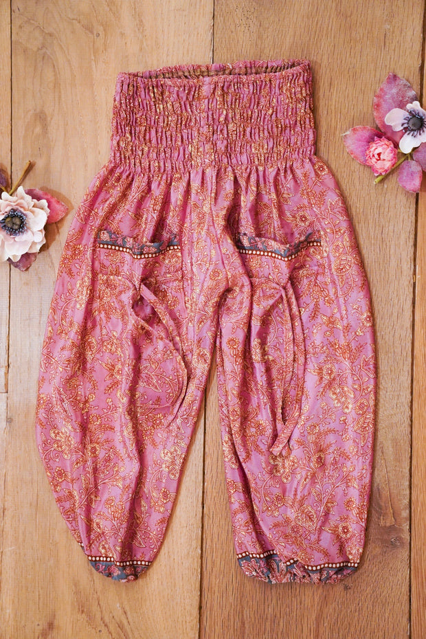 Mamma Nomad: Eco and Ethical friendly kids fashion for affordable prices. Cute harem pants made from recycled fabrics.  Bohemian style for children's.