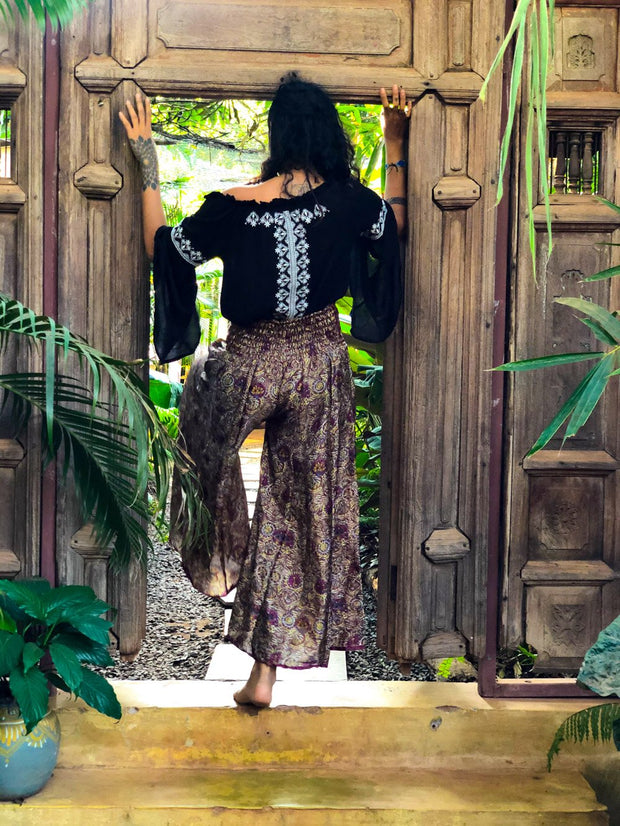 Elegant Purple Hippie Style pants made from recycled fabric by Mamma Nomad: Sustainable & Ethical clothing brand.