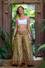 Hippie Trousers made from Recycled fabrics. Mamma Nomad: Sustainable Colorful Fashion