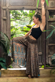 Brown trousers or pants that look like a skirt. Sustainable, eco friendly fashion. Mamma Nomad - Mama Nomad: Ethical slow fashion.