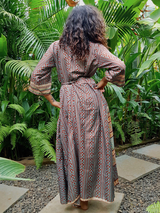 Beautiful long Kimono jacket with belt made from recycled fabrics. Mamma Nomad: Slow ethical fashion brand