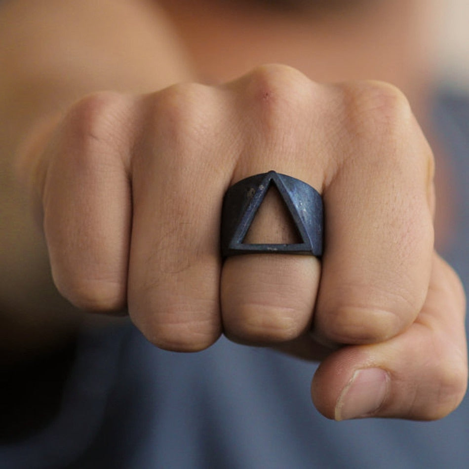 Vintage Style Geometric Black Triangle Ring