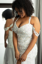 Load image into Gallery viewer, Erin Style Wedding Gown