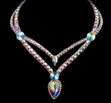 Load image into Gallery viewer, Olivia Style Swarovski Crystal Necklace