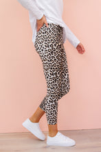 Load image into Gallery viewer, HUTTON Jegging - Grey Leopard pants Harte Style