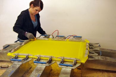 Screen Printing Restretching Service