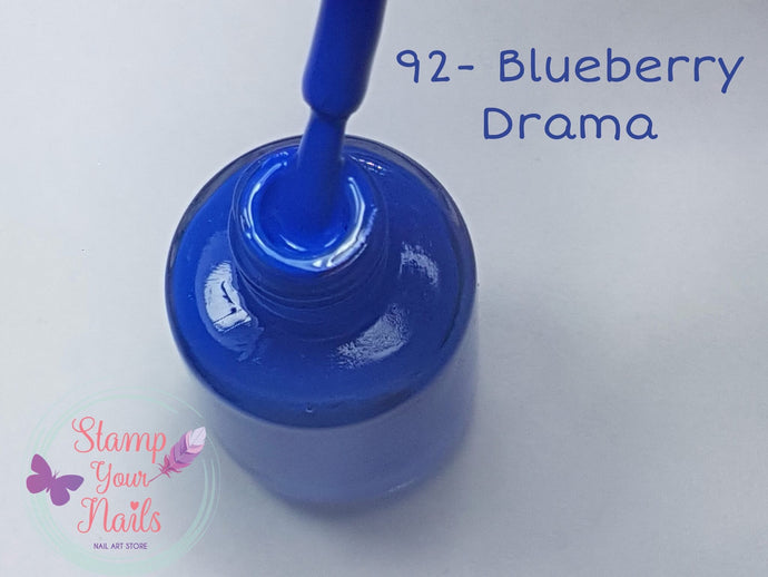 92 Blueberry Drama - Stamp your nails