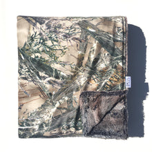Load image into Gallery viewer, Green Camo Minky Blanket - Pewter Fox - In Stock - Royal Minky Canada