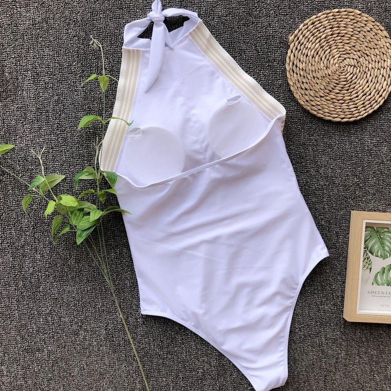 Sexy Gathered White Wide-edged One-piece Swimsuit