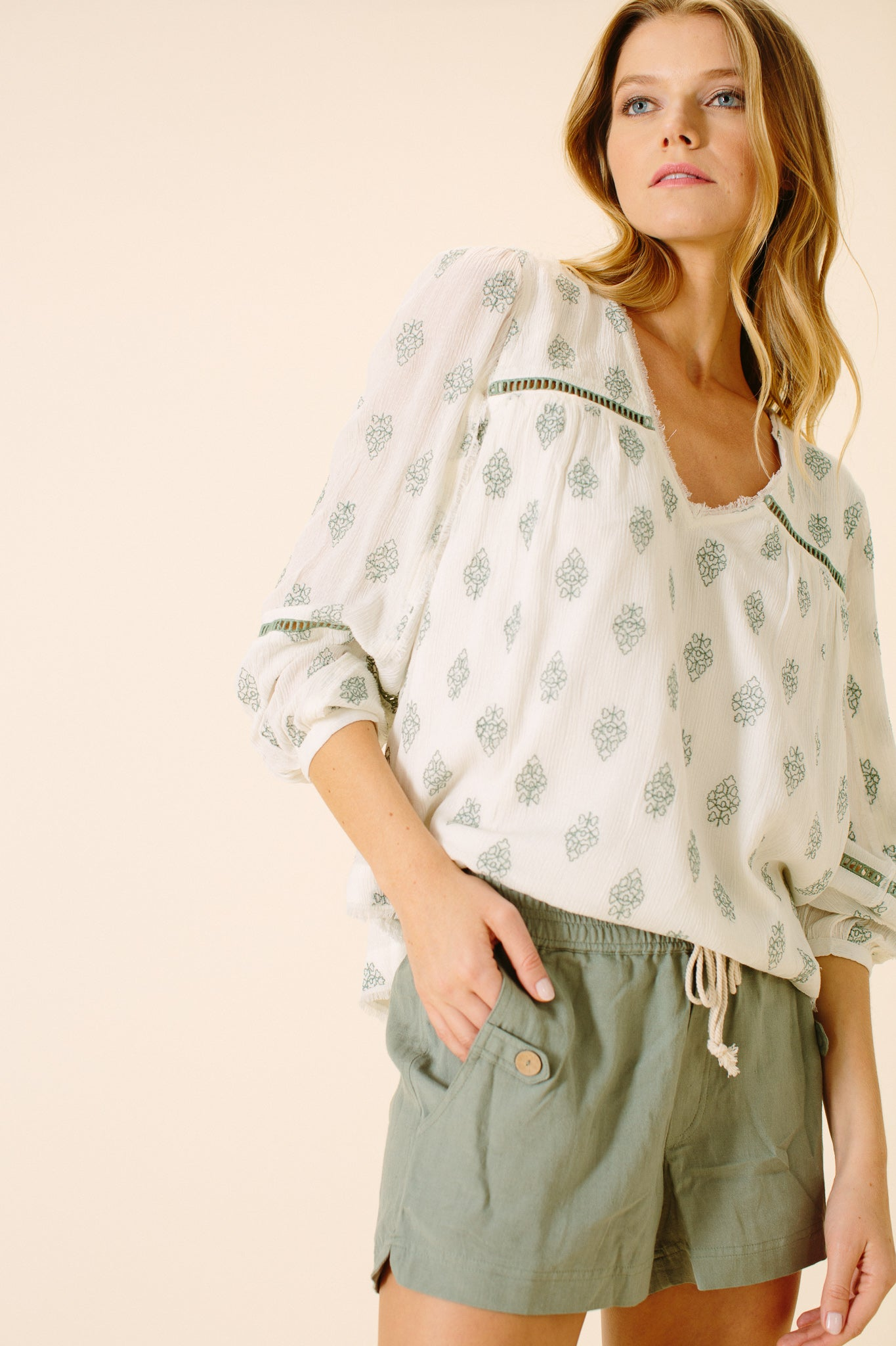 Aaliyah V-Neck Blouse | Leaf