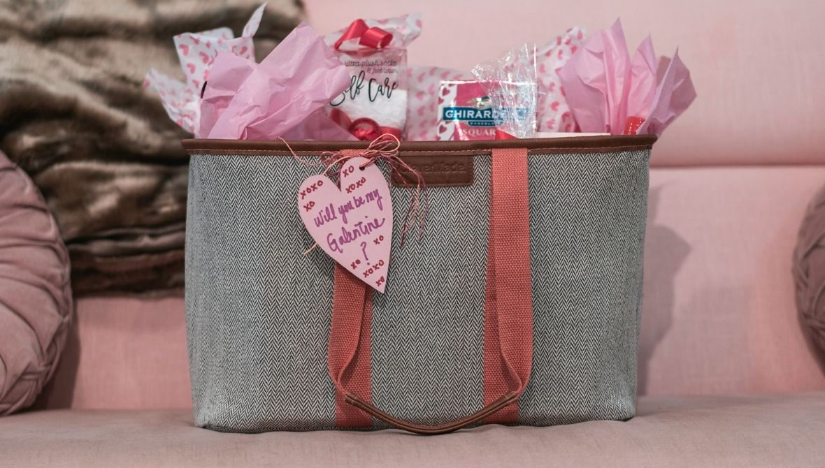 Galentine's Day GIVEAWAY