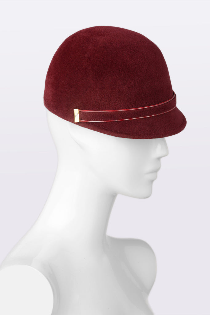 BORDEAUX Newsboy hat details