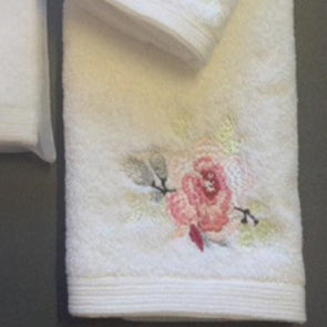Amaya Rose Hand Towel