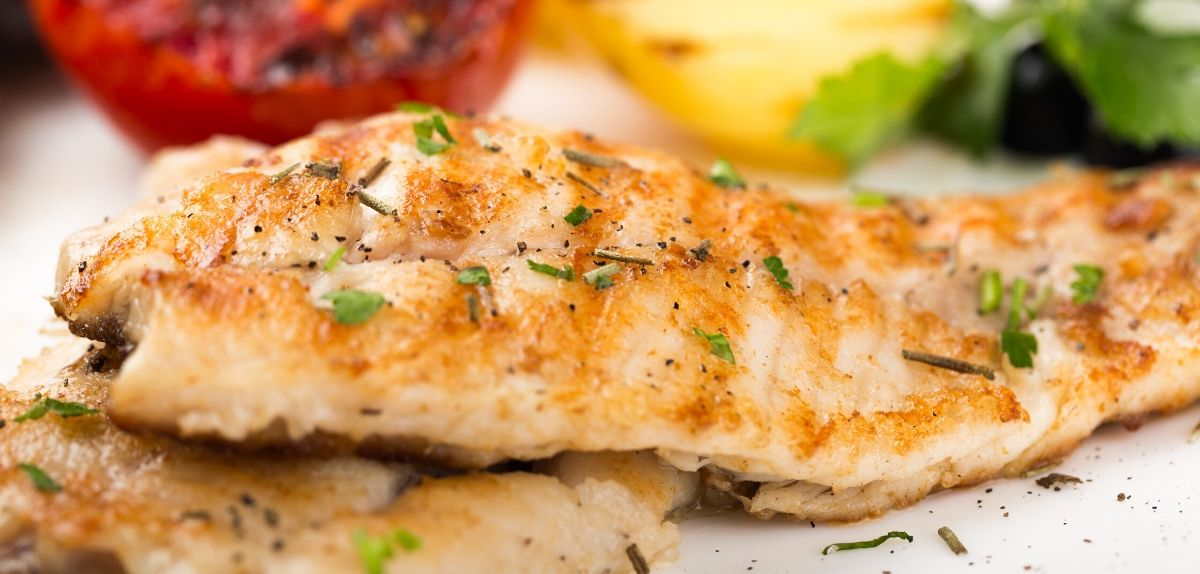 healthy fish recipes: tomato and thyme seafood