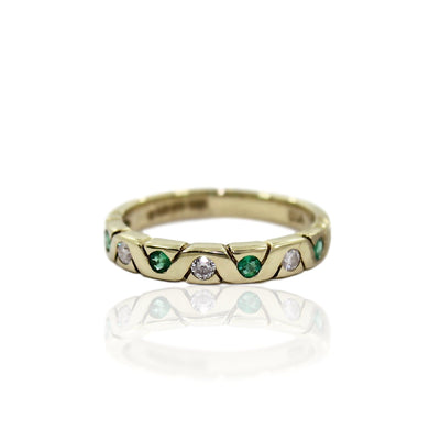 CLAUDIA DIAMOND & EMERALD Ring - 9K Gold