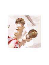 Load image into Gallery viewer, Pearls And Crystals On Metal Hair Slides - BEYAZURA.COM