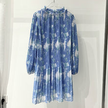 Load image into Gallery viewer, Blue Printed Pleated Long Sleeve Dress - BEYAZURA.COM