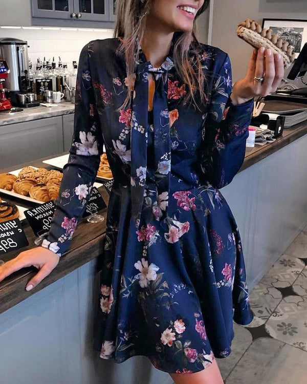 Vintage Floral Print Tied Neck Casual Dress