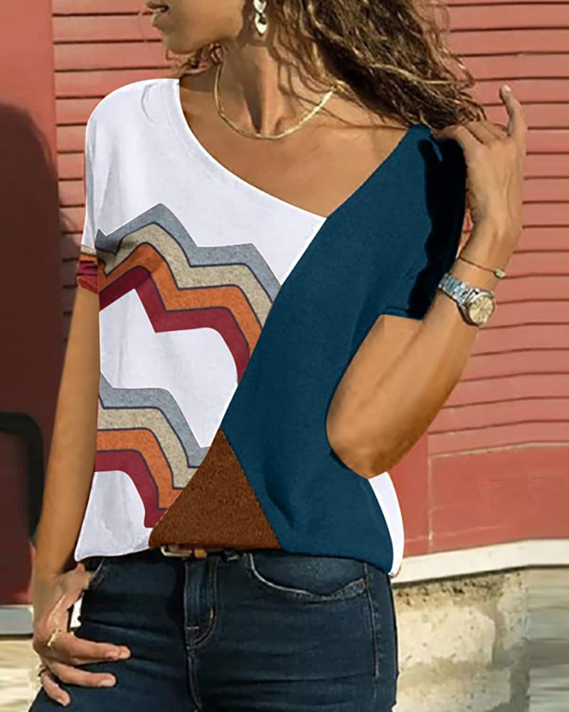 Skew Neck Colorblock Wave Print Casual T-shirt
