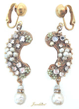 Load image into Gallery viewer, Vintage Miriam Haskell Faux Pearl Earrings