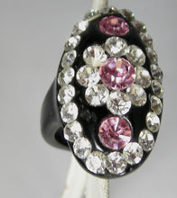 Load image into Gallery viewer, Vintage 80s Clear & Pink Rhinestone Elongated Floral Ring – Size 7-1/4