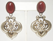 Load image into Gallery viewer, Vintage Faux Carnelian & Scalloped Drop Earrings