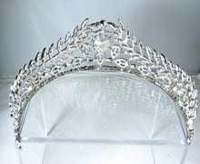 Load image into Gallery viewer, Magnificent Clear Crystal Tiara/Crown