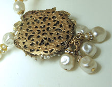 Load image into Gallery viewer, Vintage 1950s Miriam Haskell Baroque Faux Pearl Necklace