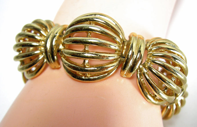 Vintage Monet Open Shrimp Link Bracelet
