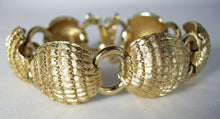 Load image into Gallery viewer, Vintage Monet Ribbed Link Bracelet