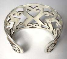 Load image into Gallery viewer, Vintage Signed Sterling Abstract Heart Cuff Bracelet
