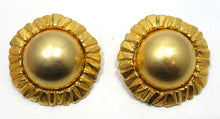 Load image into Gallery viewer, Vintage Signed Poggi Paris Clip Earrings
