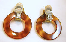 Load image into Gallery viewer, Vintage Faux Tortoise Shell Hoop Earrings
