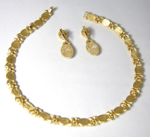 Load image into Gallery viewer, Vintage Crown Trifari Necklace & Earring Set - JD10259