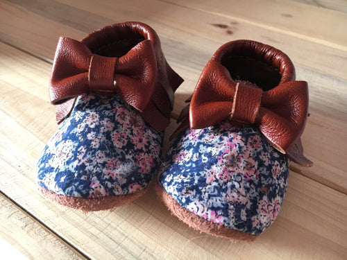 lillie and me leather baby shoes baby mocs floral blue