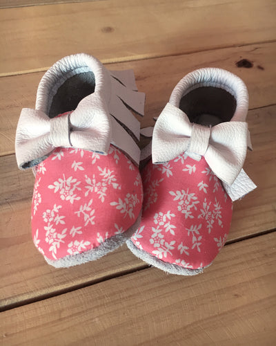 lillie and me leather baby shoes baby mocs girls white coral floral
