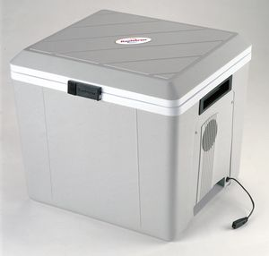 P-27C Koolatron Voyager 12 Volt Cooler with AC-16