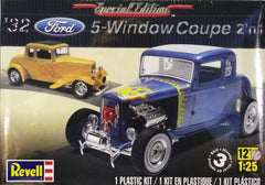 1/25 1932 Ford 5 - window coupe 2 'n 1 model car kit.