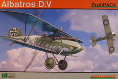 1/48 WW 1 Albatros D.V ProfiPack military model aircraft kit.