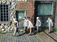 1/72 civilian men figures walking to work.